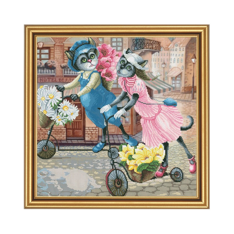 """Набір для вишивки нитками на канві з фоновим зображенням """"Квіткова прогулянка"""""""