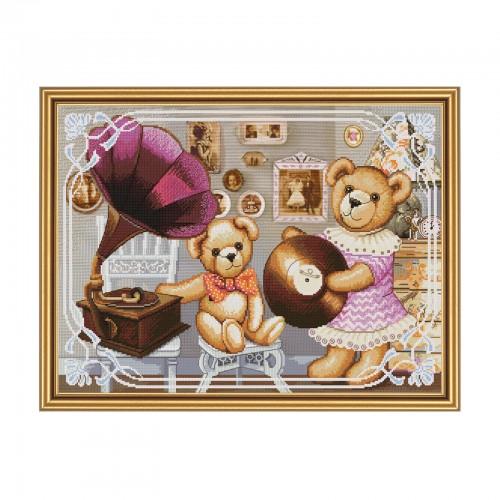 """Набір для вишивки нитками на канві з фоновим зображенням """"Ведмедики-меломани"""""""
