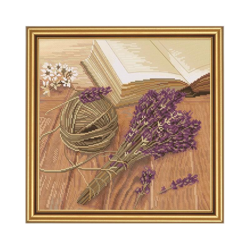 """Набір для вишивки нитками на канві з фоновим зображенням """"Лавандовий настрій"""""""