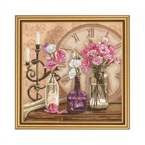 """Набор для вышивки нитками на канве с фоновым изображением """"Время цветов"""""""