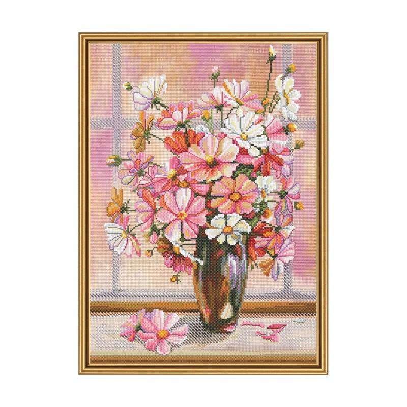 """Набір для вишивки нитками на канві з фоновим зображенням """"Квітковий серпанок"""""""