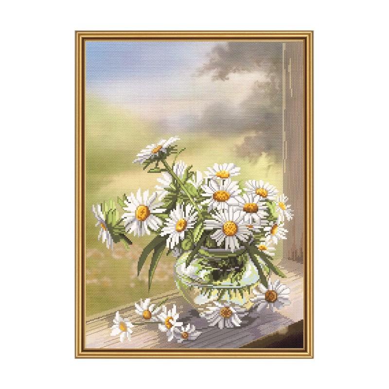 """Набір для вишивки нитками на канві з фоновим зображенням """"Ромашковий цвіт"""""""