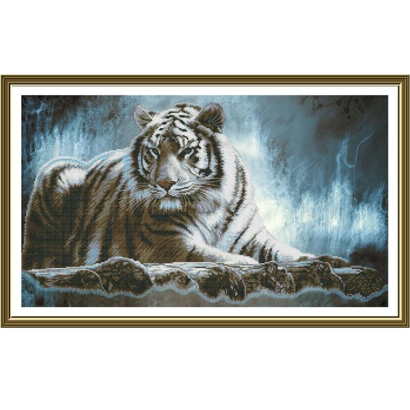"""Nova Sloboda - Набор для вышивки нитками на канве с фоновым изображением """"Амурский тигр"""" / фото №3636"""