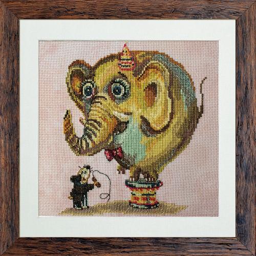 """Набор для вышивки нитками и бисером на канве с нанесенным фоновым изображением """"Цирковой слон"""""""