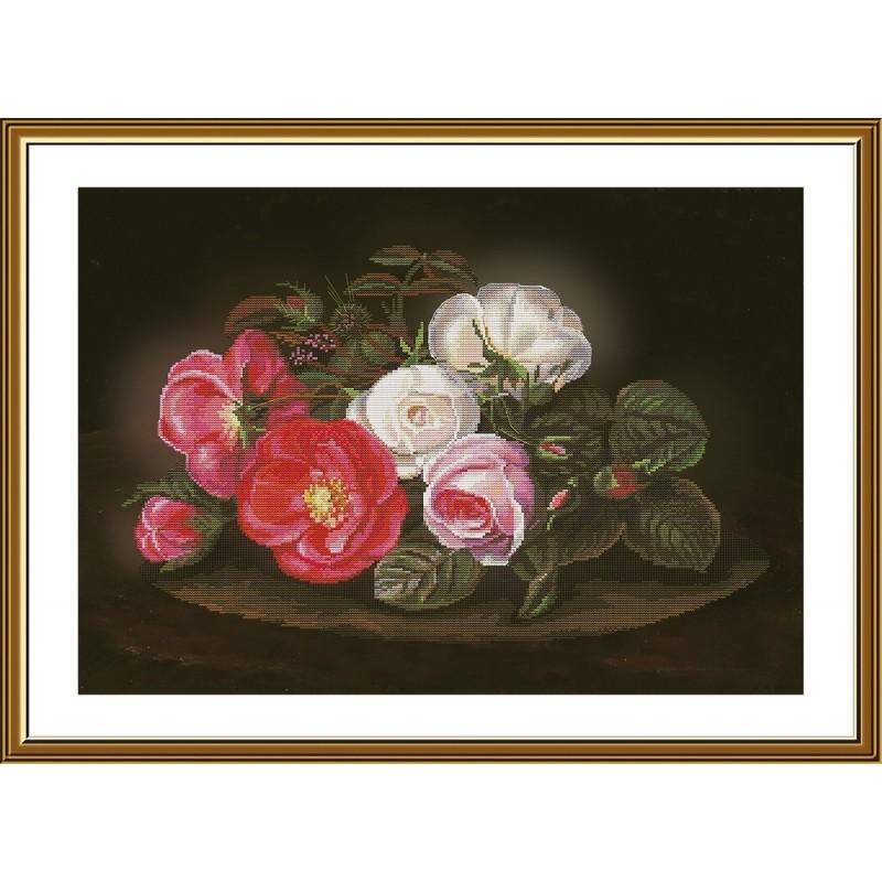 """Набір для вишивки нитками на канві з фоновим зображенням """"Симфония роз"""""""