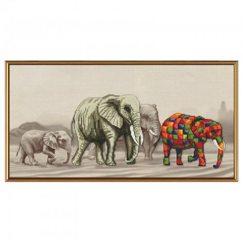 """Набір для вишивки нитками на канві з фоновим зображенням """"Прогулянка слонів"""""""